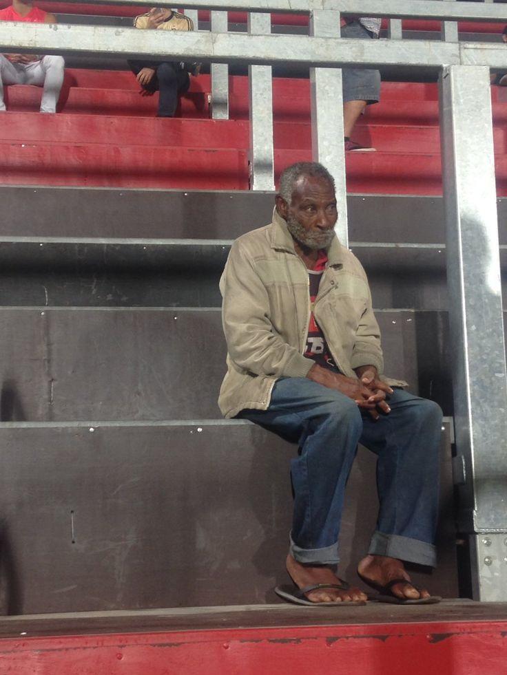 Foto de flamenguista viraliza e vira símbolo da discussão sobre a democracia nos estádios | Torcedores.com
