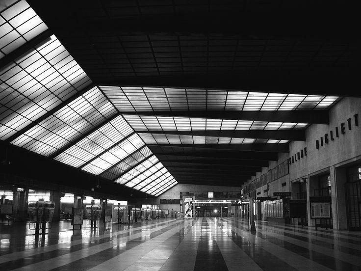 IT, Firenze, Trainstation Santa Maria Novella. Giovanni Michelucci, 1932.