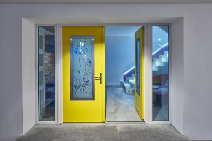 Yellow Door http://www.fergusflanaganarchitects.ie/