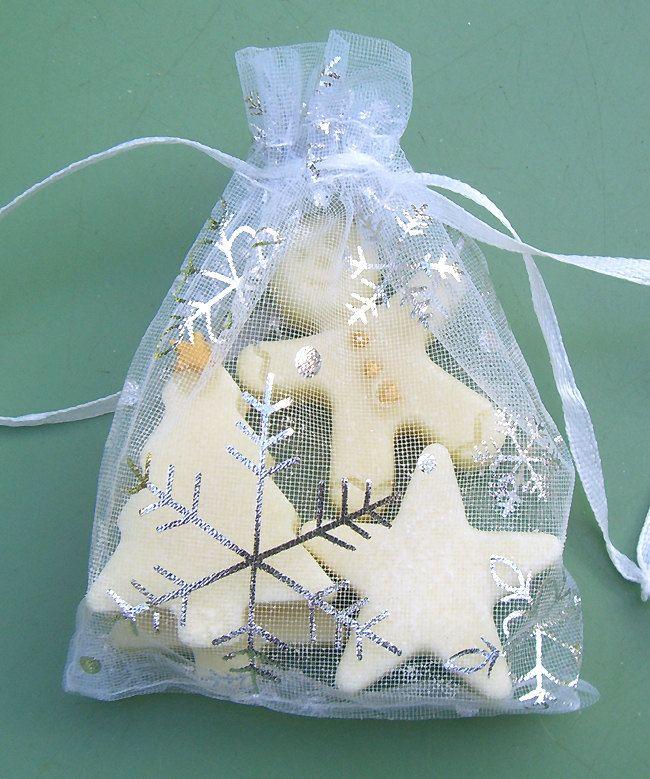 Assorted Xmas Bath Melts in festive Organza Bag. Trees, Stars, Gingerbread Man, Stocking filler, Fun Bath, Winter Wedding, Baby shower, UK by RainflowerKent on Etsy