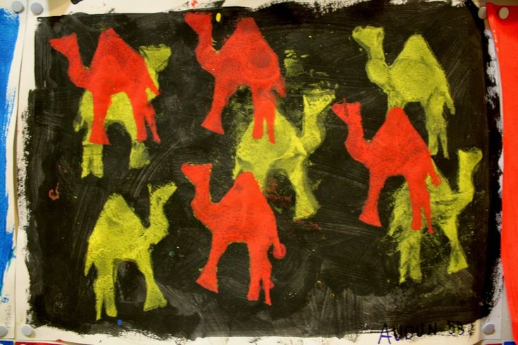 Kunst og håndverk på Fjellhamar skole: Fargeteori og sjablongtrykk på 5. trinn