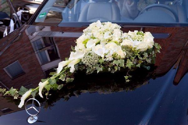 78+ Ideen zu Blumenschmuck Auto auf Pinterest  Hochzeitsdekoration ...