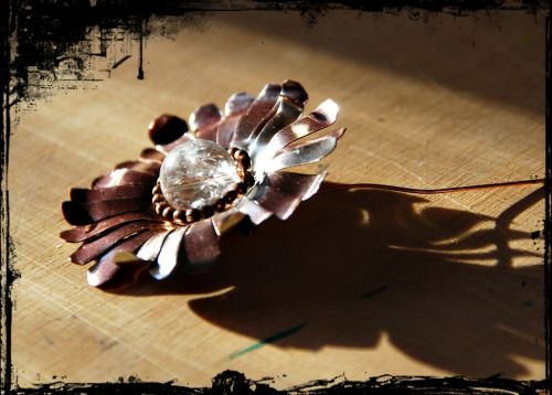 Copper flower with cristal