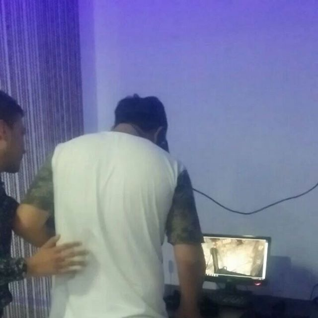 @siyavush_yildizoglu @ilkhomulmasov @dimka504 #virtualitycafe #samarkand #uzbekistan  Эти люди, отлично проводят время в  виртуальном мире, а ты ? 😎  Беги скорее делать модные фотографии и, конечно  же, погружаться в Виртуальную Реальность.  Тебя ждут американские горки, зомби, гонки, различные крутые симуляторы... Всех и не перечислить ! Приходи и опробуй их сам👍