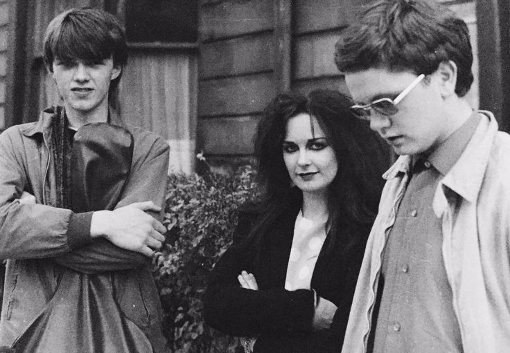 Edwyn Collins, Jill Bryson and Alan Horne outside Postcard Records 1979