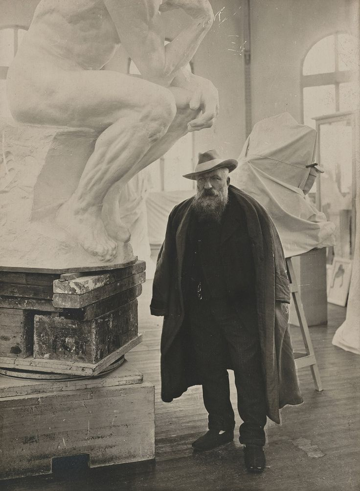 Auguste Rodin (1840-1917) was een Frans impressionistisch beeldhouwer.