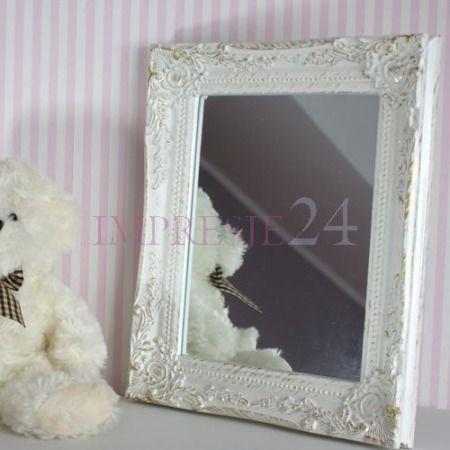 Śliczne, białe lustro   Beautiful, white mirror #śliczne #białe #lustro #salon #dodatki #wnętrza #wystrój #romantyczne #beautiful #white #mirror #living_room #accessories #interior #romantic