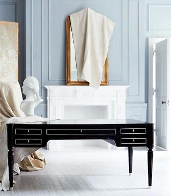 svart skrivbord grå vägg klassisk inpspiration