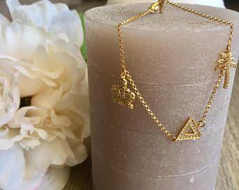 21 best bracelet perle images on pinterest pearl bracelet woman bracelet charms bracelet tendance bracelet femme bracelet bracelet triangle bracelet palmier fandeluxe Gallery