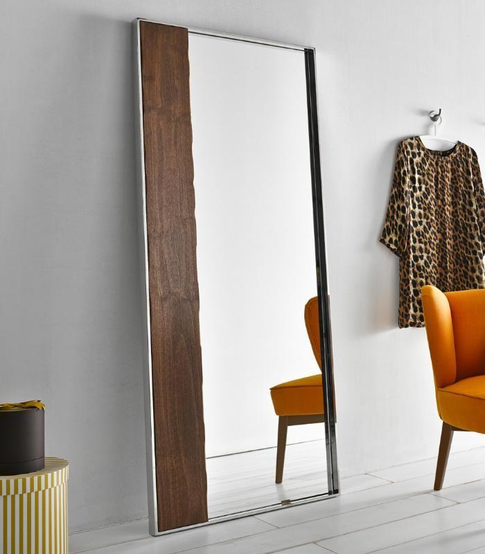 el espejo de pie nordic esta fabricado en acero inoxidable y madera la combinacin