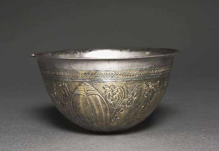 Bowl, silver gilt, Greece, Late Hellenistic Period, circa 2nd-1st century BC - The Cleveland Museum of Art - The Cleveland Museum of Art