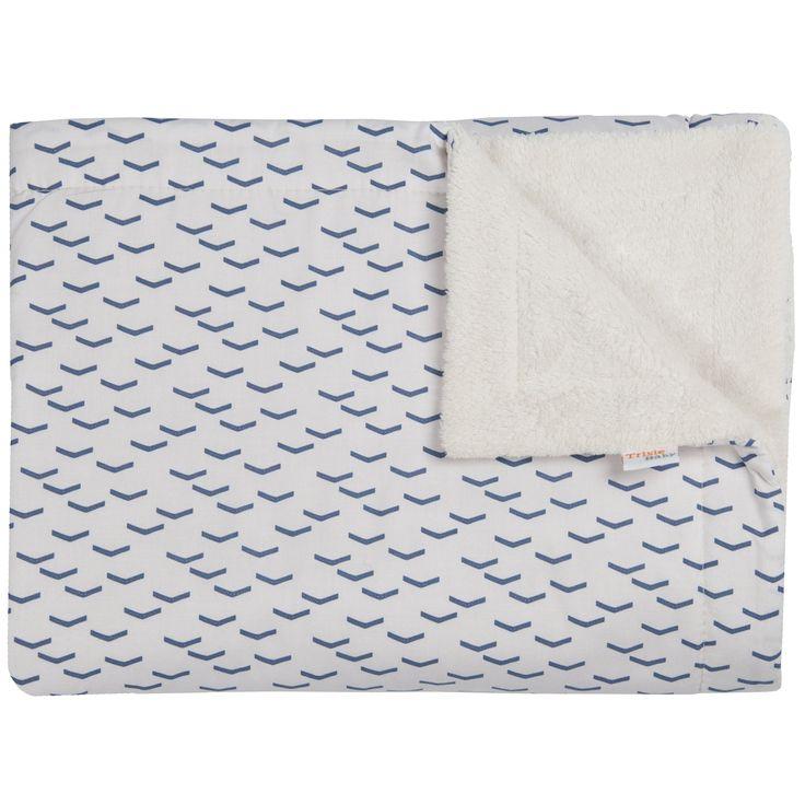 La couverture polaire Flock de la marque Trixie est chaude et confortable. Sa douceur enrobe bébé de douceur pour qu'il soit bien au chaud, dans son lit ou dans sa poussette.