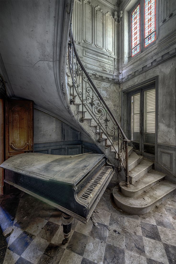 71 best Piano images on Pinterest | Music sayings, Abandoned places ...