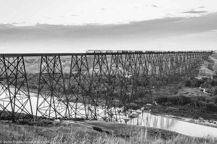Lethbridge, Alberta abriga a maior ponte da ferrovia de cavalete convencional já construída, a ponte de nível elevado. Foto - STEVE BOYKO