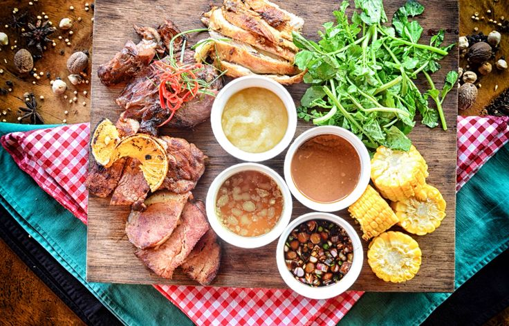 Roast Turkey, Lamb Leg & Braise Ham