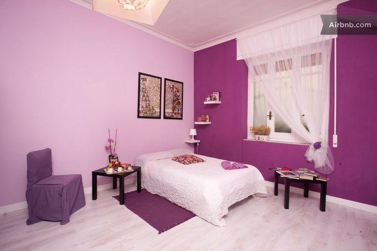 chambre violette studio apt ca cagliari deco chambre loane pinterest chambres. Black Bedroom Furniture Sets. Home Design Ideas