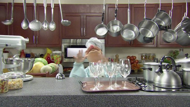 Music video by The Muppets performing Popcorn. (C) 2010 The Muppets Studio, LLC