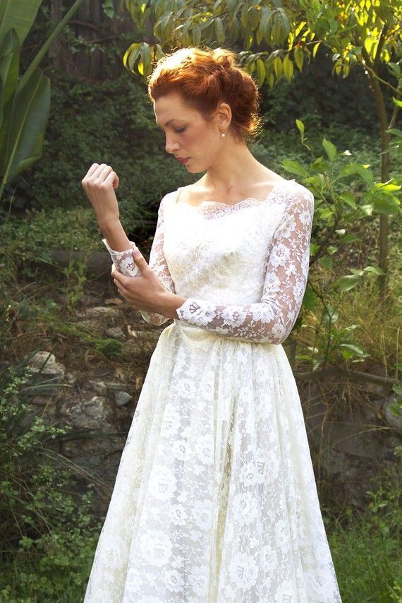 Vintage 1950 Romantische Spitze Brautkleid The von TavinShop, $ 634.00 – Fairy …   – Hochzeitskleider