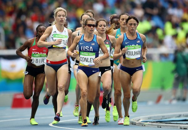 Kim Conley of the United States leads the pack during the Women's 5000m Round 1 - Heat 1 on Day 11 of the Rio 2016 Olympic Games at the Olympic Stadium on August 16, 2016 in Rio de Janeiro, Brazil.