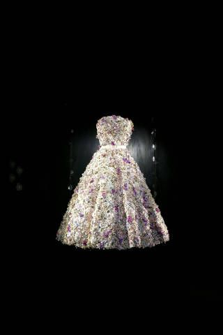 John Galliano - Dior Fashion Book - ELLE