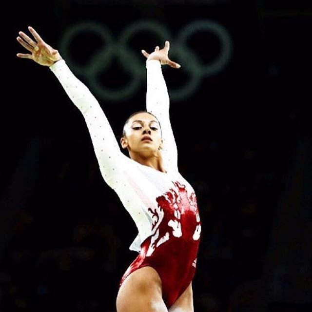 Some Monday morning inspiration in the form of GB Olympic gymnast @bdownie92 ✨❤️ .  #sportfx #sweatsmartsweatsexy #fiercelyfit  #getyourgamefaceon #gymface #beauty #bblogger #fitness #gym #workout #sport #instafit #athlete #sportsmakeup #mua  #cosmetics #beckydownie #teamgb #olympics #gymnastics #doubledownie #rio2016 #greatbritain