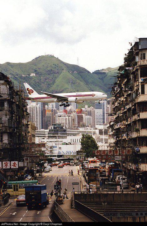 Thai Airways International Boeing 777-2D7 landing at Hong Kong-Kai Tak