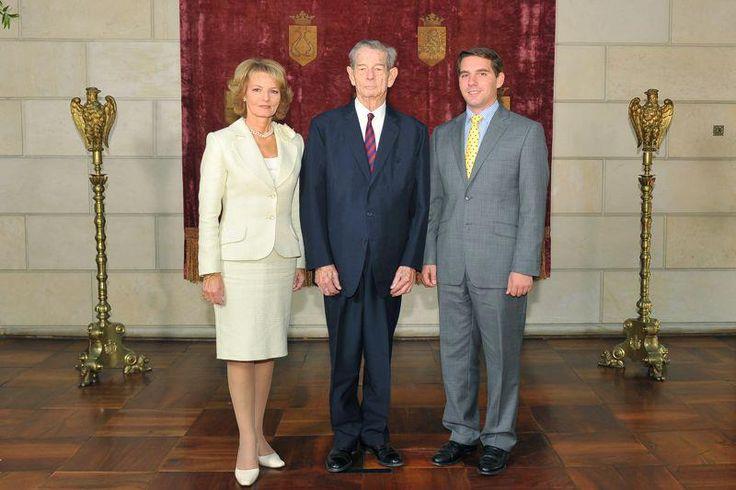3 generations of Romanian Royal Family: King Michael, Crown Princess Margarita, and Prince Nicholas (3 generatii ale Familiei Regale a Romaniei: Regele Mihai, Principesa Mostenitoare Margareta si Principele Nicolae)