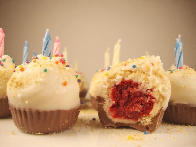 Red Velvet Cheesecake Cupcake Bites: Cheesecake Bites, Crazy Cupcakes, Birthday, Red Velvet Cheesecake, Red Velvet Cupcakes, Cupcakes Bites, Bites Cupcakes, Cheesecake Cupcakes, Cupcakes Bak