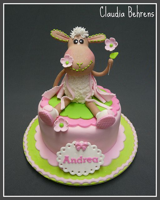 sheep cake andrea - claudia behrens | Flickr - Photo Sharing!! Love, love, love this cake!