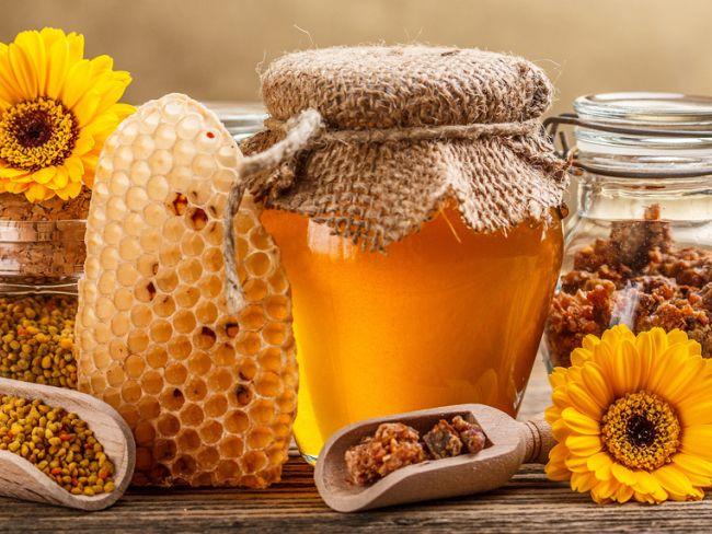 Sokan kedveljük a mézet, mint természetes ízesítőt. De hányan tekintünk a mézre, mint orvosságra?