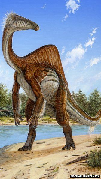 "The ""unusual, horrible hands"" dinosaur, Deinocheirus mirificus, had eight foot long forearms. And now scientists think it looks something like this."