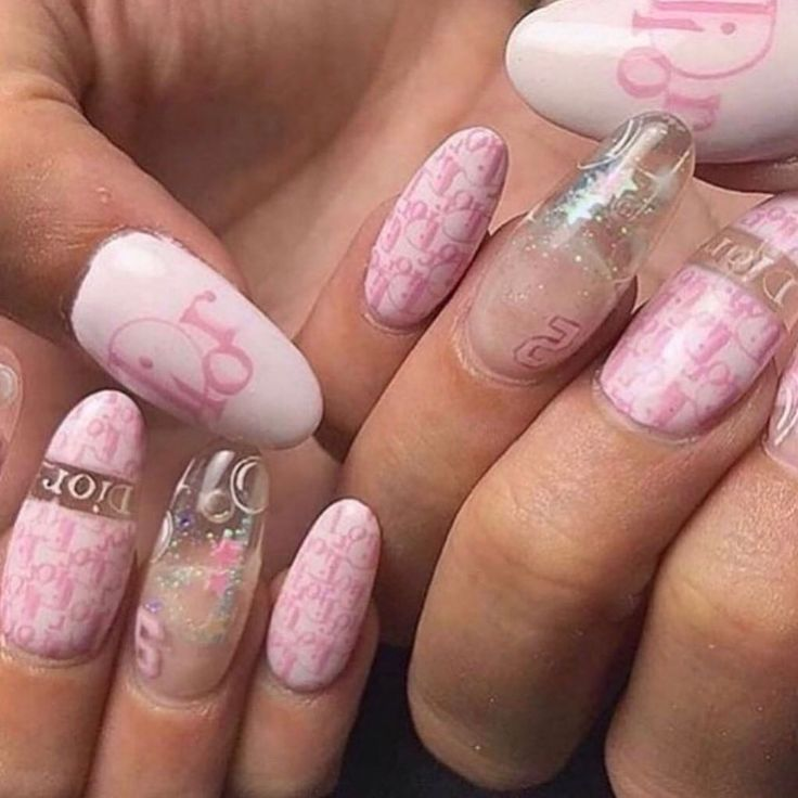 Pin by Queen D on Claws(DG)   Pretty acrylic nails, Pretty