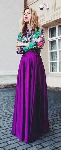 Maxi falda violeta con blusa verde
