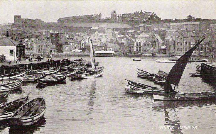 Yorkshire, Whitby Harbour.jpg 1,024×637 pixels