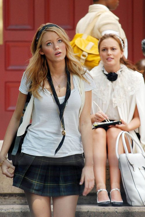 gossip girl <3 My favorite show of all time!