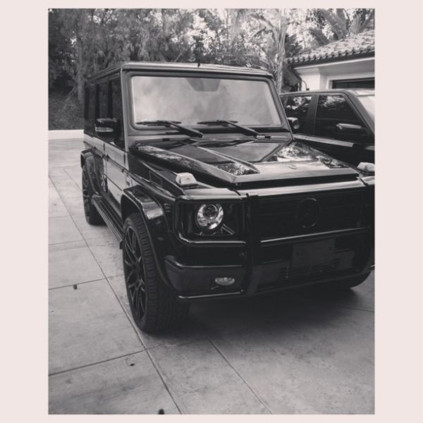 Kylie Jenner Behind The Wheel Of A G-Wagon | Celebrity Cars Blog