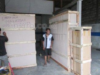 """Depot Air Minum Isi Ulang Bua Kana Rappocini Makassar Nama Konsumen Pemesan : Pak Ijmiah Nur Lokasi / Alamat Tujuan Pengiriman : Jl. Buakana No.53 Kel. Bua kana Kec. Rappocini Makassar Sulawesi Selatan Nama Depot Air Minum : """"DAMIU KANGEN"""" dengan TagLine """"Segar, Sehat dan Higienis"""" Paket DAMIU yang di pilih adalah : Damiu Paket D, Harga 18.900.000  Ongkos Kirim ke Depot Air Minum Isi Ulang Bua Kana Rappocini Makassar = Rp. 1.125.000 /Kubik"""