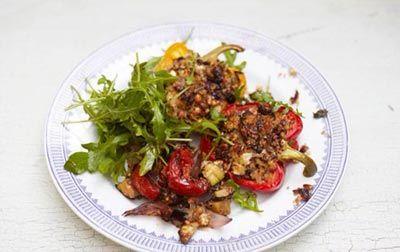 Перец фаршированный с овощами и фетой