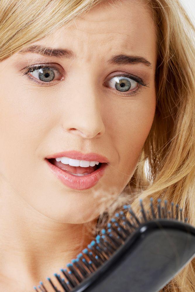 Remedii care stopează căderea părului