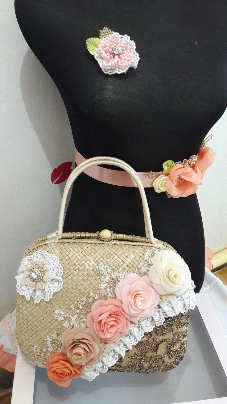 Vintage pandan bag