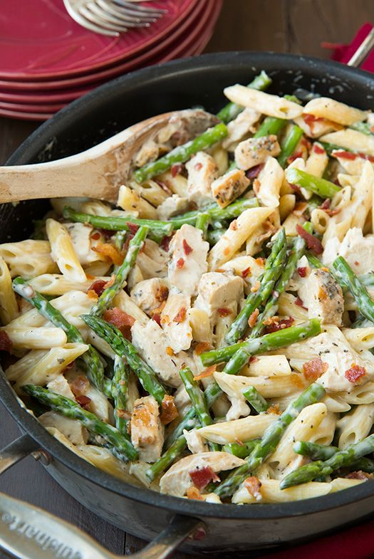 Creamy asparagus, chicken and bacon pasta + four other healthy and delicious dinner recipes in this May Spring meal plan with free grocery list | Rainbow Delicious