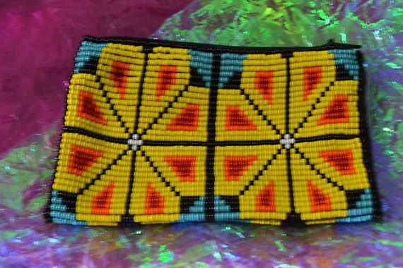 Beautiful Colored Huichol seed beads Pouch - Wallet - coin purse