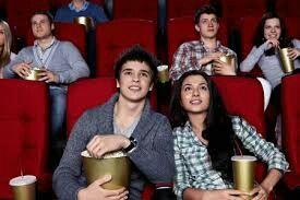 """Andare al cinema con mio marito. Ultimo film visto è stato """"Perfetti sconosciuti"""" di Paolo Genovese. Di solito il film lo scelgo sempre io e quindi niente horror!"""