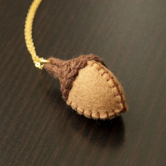 Acorn necklace knit and felt stitched woodland pendant for Acorn necklace craft