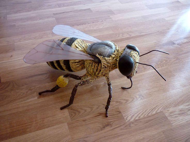 """Ape – """"Apis mellifica"""" (Bee)"""