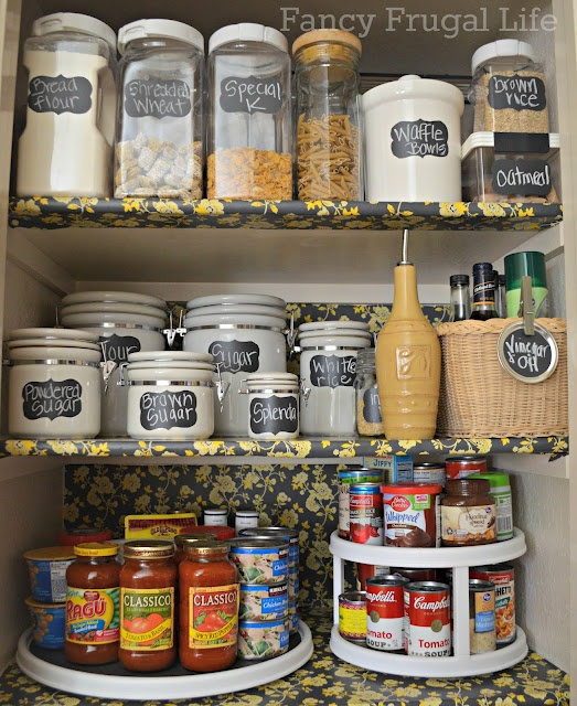 Organized Pantry And Pantry Tips: Organized Pantry...like The Lazy Susan For The Spices