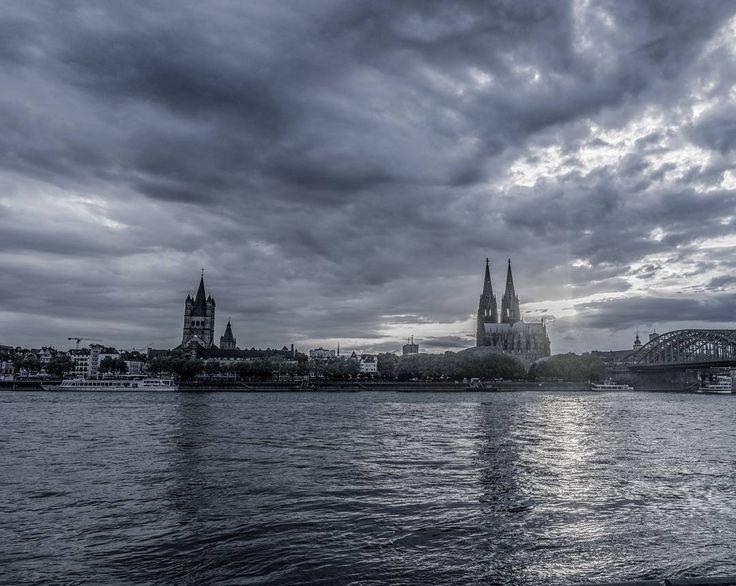 Summer in Cologne  #cologne #cologne_bestplace #koelnergram #koeln #visitköln #expresskoeln #colognecathedral #mingedom #rheinland #rheinboulevard #rausgegangen #igerscologne #igers #ig_europe #ig_nrw #ig_koeln #loves_united_reflections #siebenschläfer #sonyalphasclub