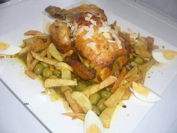 Marokkaanse gebraden kip kan op verschillende manieren gemarineerd worden. In dit recept doe ik het op mijn moeders manier, en zij maakt och wel de lekkerste kip, vind ik, die er is. Mijn moeder maakt dit gerecht ook altijd klaar voor familieleden die net...