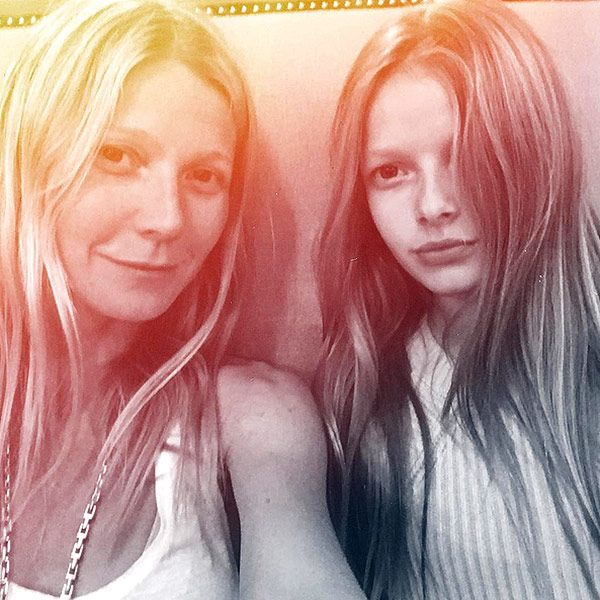 Mini-me! Gwyneth Paltrow Shares Stunning Photo with Lookalike Daughter Apple11