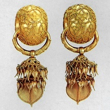Gold earing from Silla Dynasty, Korea